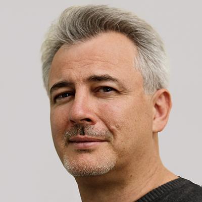 Dr Pierre Pizem